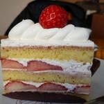 パティスリー クグラパン - 苺のショートケーキ