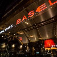 ステーションカフェ バーゼル - JR立川駅北改札を出て目の前のお店です。