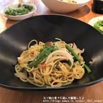 iL PRIMO - イカと彩り野菜のペペロンチーノ