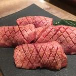 USHIHACHI 二子玉川店 - 特選10%牛タン(極上 厚切りタン)