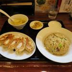 64581213 - 炒飯定食