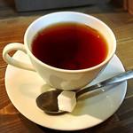 スイーツ カフェ キョウト ケイゾー - 紅茶の方が合います。