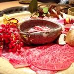 日本焼肉 はせ川 - コースのお肉盛合せ