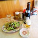 中華料理 大宝 - 野菜炒め単品850円、瓶ビール550円