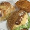 パンセ - 料理写真:揚げサラダ・ベーコンとチーズのガレット・セサミバーガー