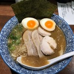 煮干し中華そば 麺屋 新星 - 濃厚鳥白湯ラーメン! ★★☆☆☆