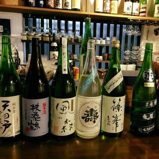 日本酒好きの店主が揃えた30種以上の日本酒