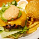 ハミングバーズヒル - アボカドバーガー+チェダーチーズ