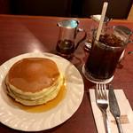 サンシャイン - ホットケーキ、アイスコーヒー