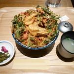 博多てんぷら・水炊きおでん なかお - 博多かき揚げ丼¥550