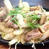 青空食堂 - 料理写真:親鳥モモ鉄板焼定食 650円。ご飯、味噌汁お替り自由。卵付き