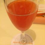 64731905 - イチゴとアセロラのジュース
