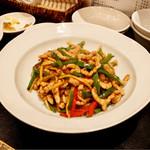 善道 - 青椒肉絲 900円