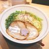 拉麺開花 - 料理写真:醤油と並んでW看板メニューの「旨味塩ラーメン」は、これからの時期にもピッタリ☆