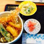 女川海の膳ニューこのり - ミックス天丼には小さいけど厚みのある穴子1個とぷりぷり海老2本、あとは野菜天(芋、かぼちゃ、ピーマン、茄子)で結構なボリューム♥️で1200円