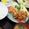 動坂食堂 - 料理写真:若鶏唐揚げ定食(850円)2017年3月