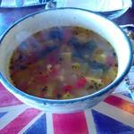 シシングハースト - たっぷり野菜とチキンのスープ(2017.3)