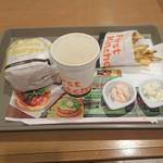 ファーストキッチン - 料理写真:
