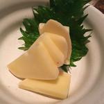 両花 - モッツァレラチーズの味噌漬け 600円