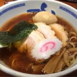 たけちゃんにぼしらーめん - 料理写真:スペシャルラーメン醤油970円