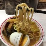 蒙古タンメン中本 - ぼわぼわした麺