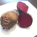 大榎庵 - 見せて頂きましたが、このビーツと数種類の野菜でピンク色を出しているんだそうです