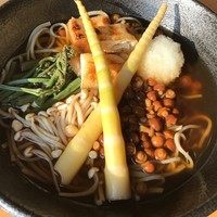 今月の蕎麦:【山菜きのこ蕎麦】が登場!(4月限定)