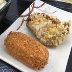 こだわり麺や - コロッケと鶏天