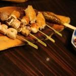 美食 米門 - 比内地鶏串五種盛り合せ(2380円)
