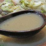 ちゃんぽん ならここ - 鶏スープと和風出汁を合わせたスープらしい。中華風の動物性蛋白質多い濃厚味より、スッキリ。