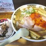65022846 - 「ローストポーク煮干ラーメン+漁師飯」(1000円)です