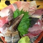 タカマル鮮魚店  - お刺身アップ