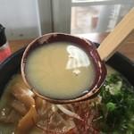 たなか家 - 拉饂麺のスープ