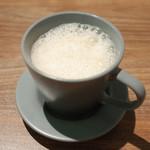 アプサラ レストラン&バー - スリランカのミルクティー(450円・外税)