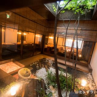 京町屋のイメージで、時間を超えたくつろぎの空間を演出
