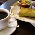さくらCafe - モーニングA(抹茶トースト・小倉・玉子・サラダ)