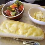 さくらCafe - モーニングC(チーズトースト・マヨ玉子・サラダ)