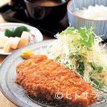 とんかつ和泉 - 一番人気の「ロースかつ定食」