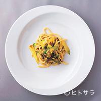 オステリア アバッキオ - 季節によって素材がかわる卵黄のピチ トリフ風味の手打ちパスタ