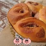 伊賀の里モクモク手づくりファーム - 料理写真:いちごミルクパン焼き上がり!