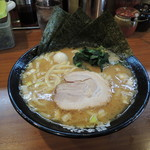 横浜家系ラーメン 町田商店 - ラーメン