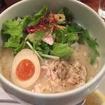 蔭山 - 鶏白湯麺塩そば 880円
