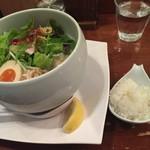 蔭山 - 鶏白湯麺塩そば、レモンとプチご飯