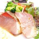 65177599 - プレジャー 3780円 の本日の魚介のカルパッチョ シェフのおすすめスタイルで