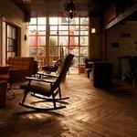 アナログ カフェ ラウンジ トーキョー - ある夕方の風景