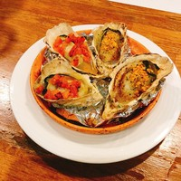 エカイエJP - アツアツ焼き牡蠣お好みの味で召し上がれ