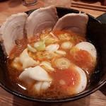 つけ麺屋 やすべえ - 【2017/4】辛味つけ汁+チャーシュー玉子+水餃子