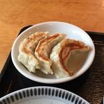 香湯ラーメン ちょろり - ランチ定食Bの餃子