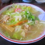 塩苅食堂 - 料理写真:もつ野菜ラーメン