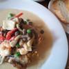ラクリ - 料理写真:グリルチキンと魚介のクリームソース